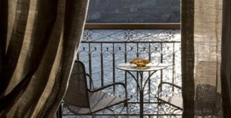 Top 10 Rooms with A View